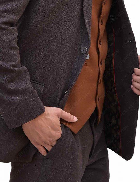 eddie-redmayne-newt-brown-suit
