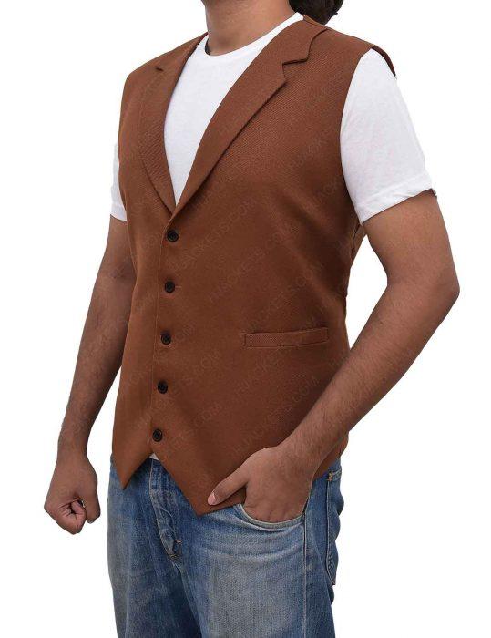 eddie-redmayne-vest