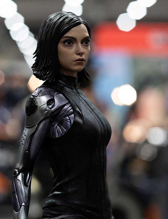 alita-battle-angel-black-leather-vest