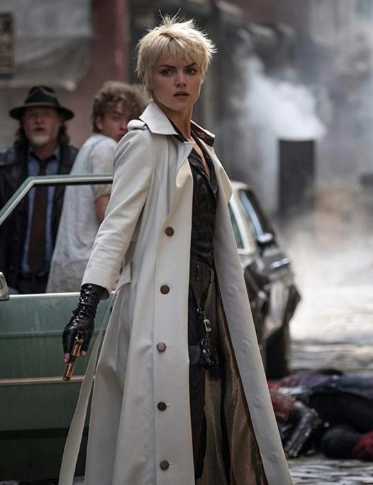 gotham-barbara-kean-season-5-white-coat