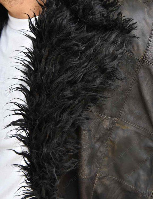 the-umbrella-academy-klaus-fur-coat