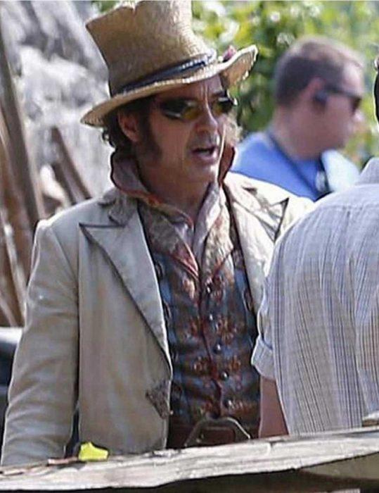 dr-john-dolittle-robert- downey- jr.-coat