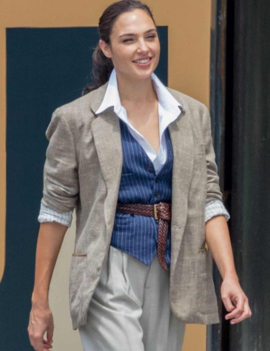 gal-gadot-ww84-blazer-jacket