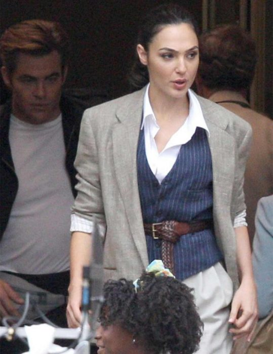 wonder-woman-1984-gal-gadot-blazer-jacket