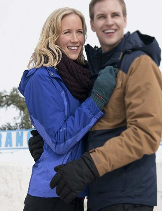 amazing-winter-romance-jessy-schram-jacket