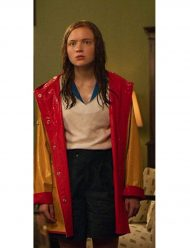 max-mayfield-stranger-things-rain-yellow-coat