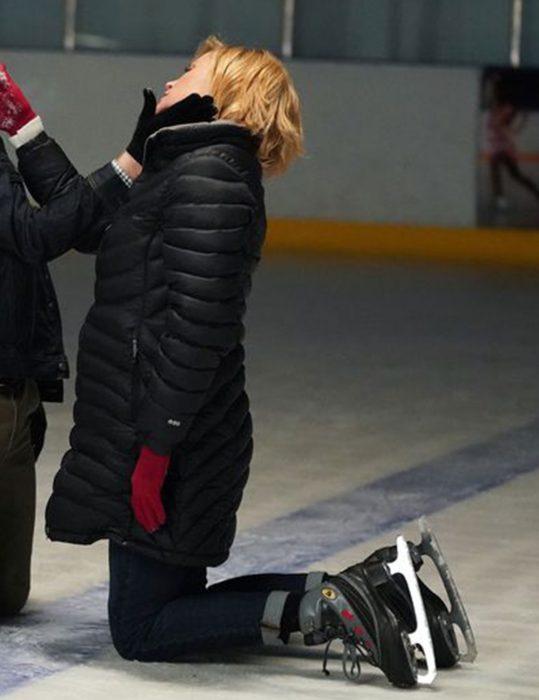 modern-family-julie-brown-puffer-jacket