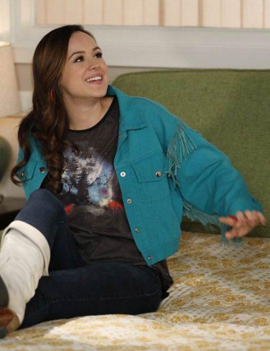 the-goldbergs-erica-goldberg-blue-jacket