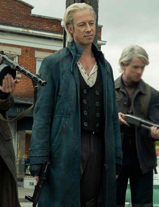 the-umbrella-academy-s02-jason-bryden-coat