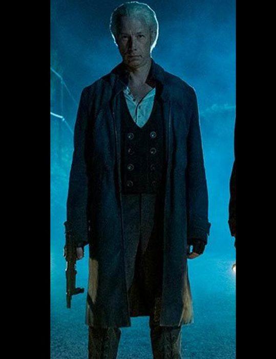 the-umbrella-academy-s02-jason-bryden-leather-coat