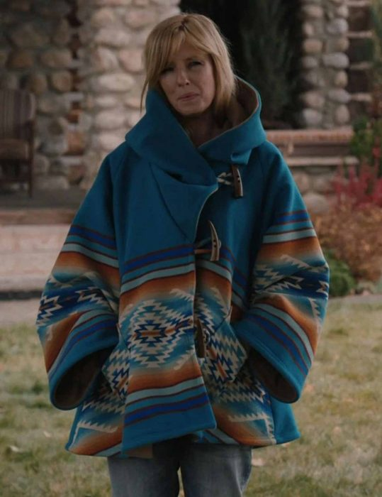yellowstone-s03-beth-dutton-wool-blend-hooded-coat