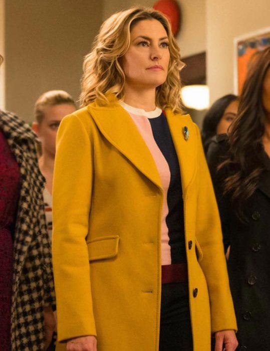Riverdale S04 Lili Reinhart Coat