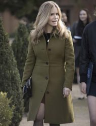 Atypical-Season-4-Jennifer-Jason-Leigh-Coat