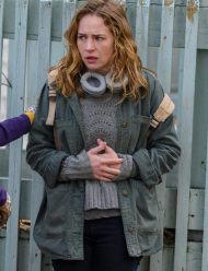 Books-of-Blood-Britt-Robertson-Jacket
