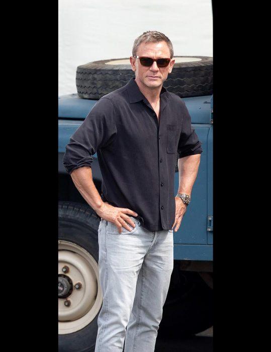No Time to Die Daniel Craig shirt