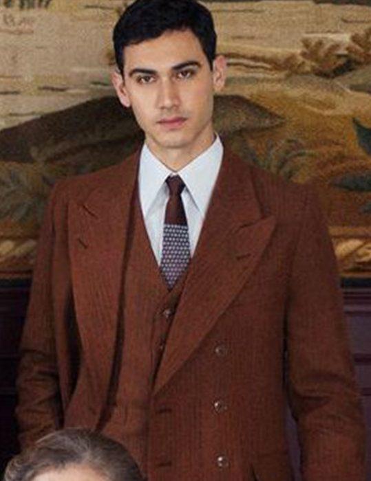Someone-Has-to-Die-Alejandro-Speitzer-Suit