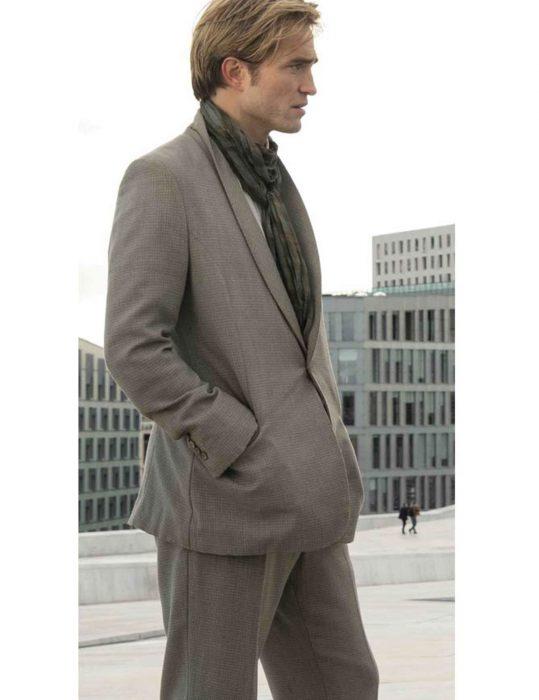 Tenet Robert Pattinson Sui