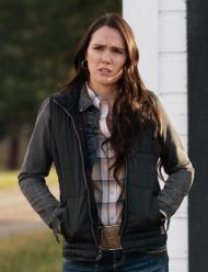 Tv-Series-Yellowstone-S03-Eden-Brolin-Black-Jacket