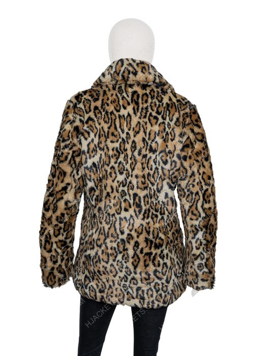 yellowstone s02 beth dutton kelly reilly leopard print coat