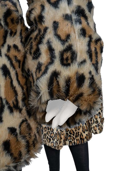 yellowstone s02 kelly reilly leopard print coat