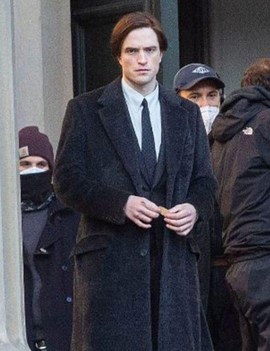 Bruce-Wayne--Coat
