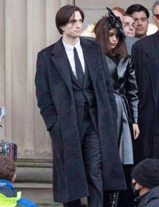 Bruce-Wayne-The-Batman-2022-Coat