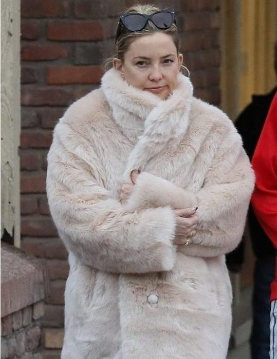 Kate-Hudson-White-Fur-Coat