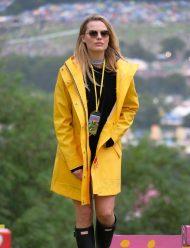 Margot-Robbie-Yellow-Coat