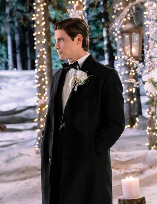 Mark-Deklin-Meet-Me-at-Christmas-Beau-Coat