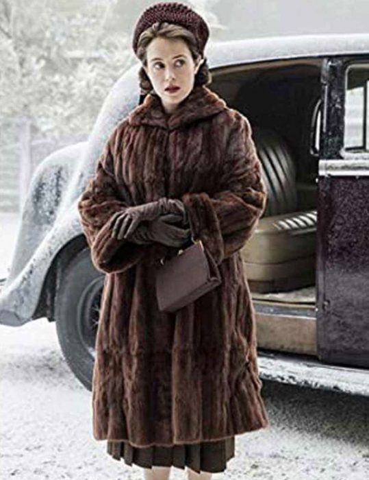 The-Crown-Claire-Foy-Coat