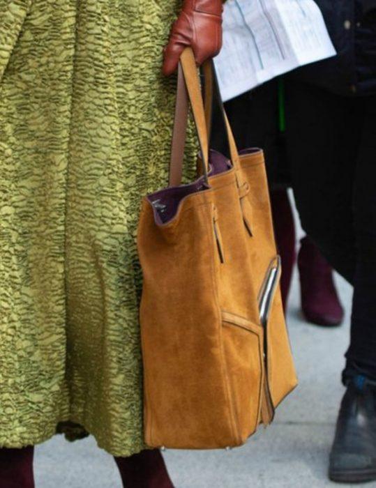 grace fraser the undoing nicole kidman brown handbag