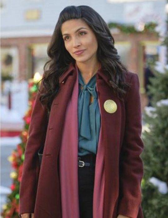 kendra-Adams-The-Christmas-Ring-Coat