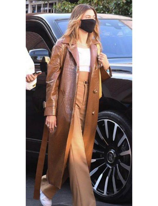 Hailey-Bieber--Coat