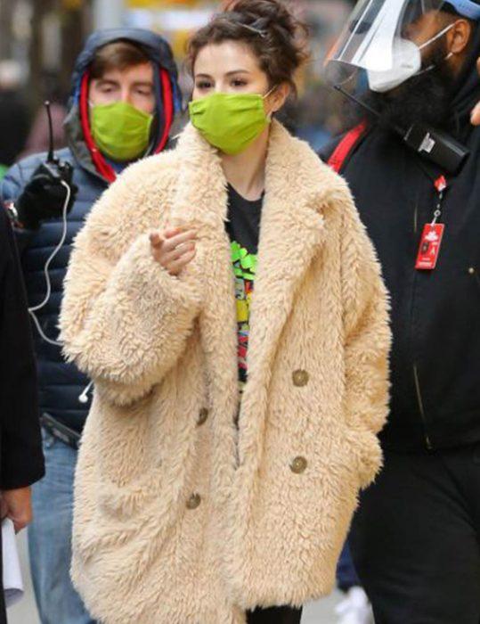 Only-Murders-in-the-Building-Selena-Gomez-Fur-Coat