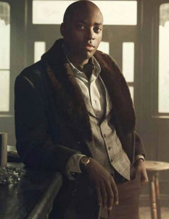 Pennyworth-Bazza-Coat-With-Fur-Collar