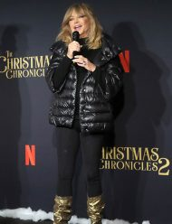 The-Christmas-Chronicles-2-Goldie-Hawn-Premiere-Jacket