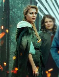 Fate-The-Winx-Saga-Hannah-van-der-Westhuysen-Coat