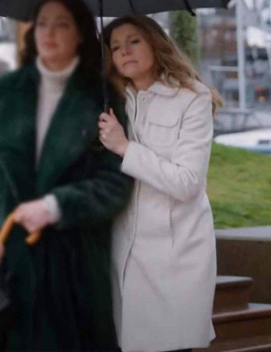 Firefly-Lane-Sarah-Chalke-White-Coat