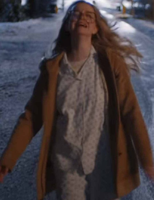 Sarah-Chalke-Firefly-Lane-Brown-Coat