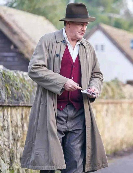 Roald-Dahl-To-Olivia-(2021)-Coat