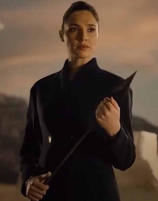 Zack Snyders Justice League 2021 Gal Gadot black Coat