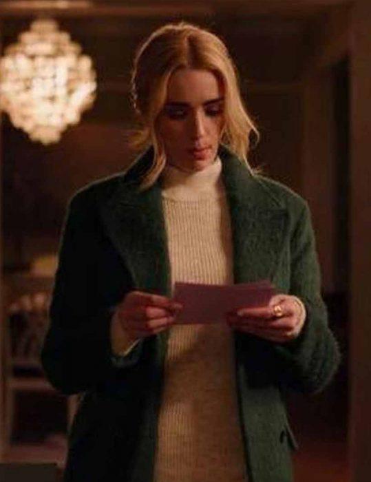 Ginny-&-Georgia-Brianne-Howey-Green-Coat