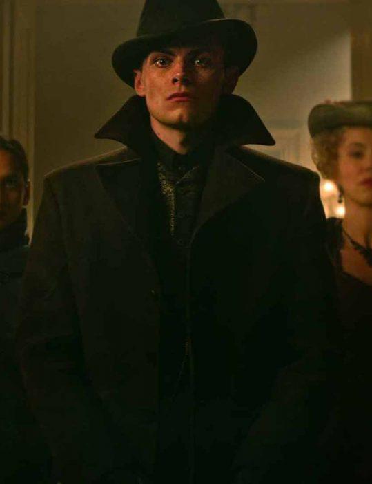 Shadow-And-Bone-2021-Freddy-Carter-Coat