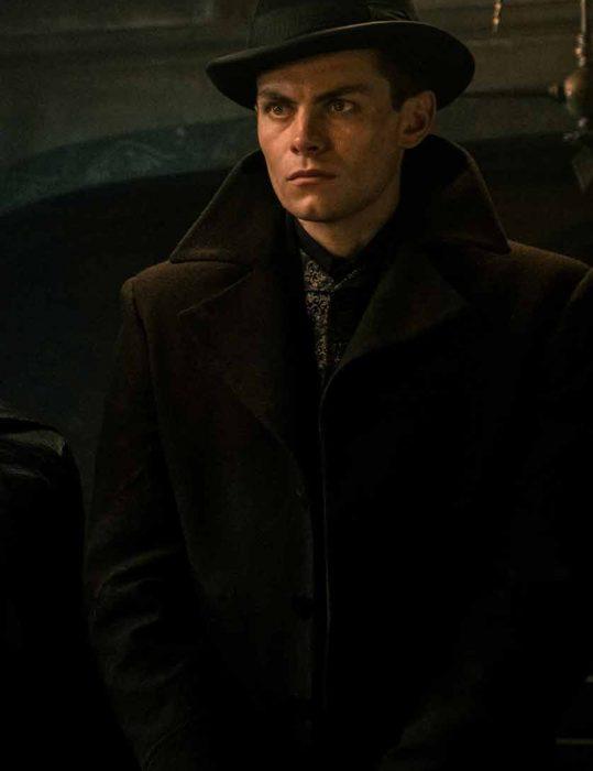 Shadow-And-Bone-Freddy-Carter-Coat