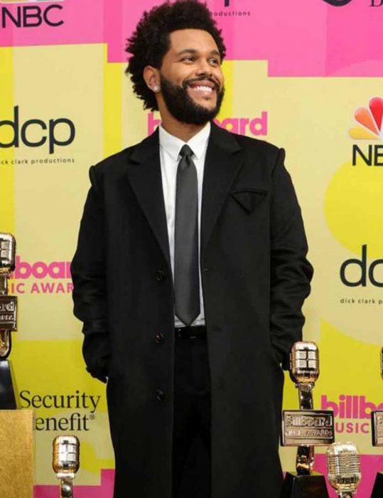 Billboard-Music-Awards-2021-The-Weeknd-Coat
