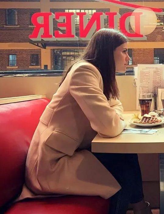 Die-in-a-Gunfight-Alexandra-Daddario-Coat