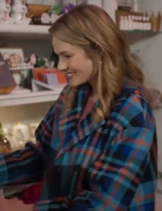 A-Bridesmaid-in-Love-Tori-Anderson-trench-Coat