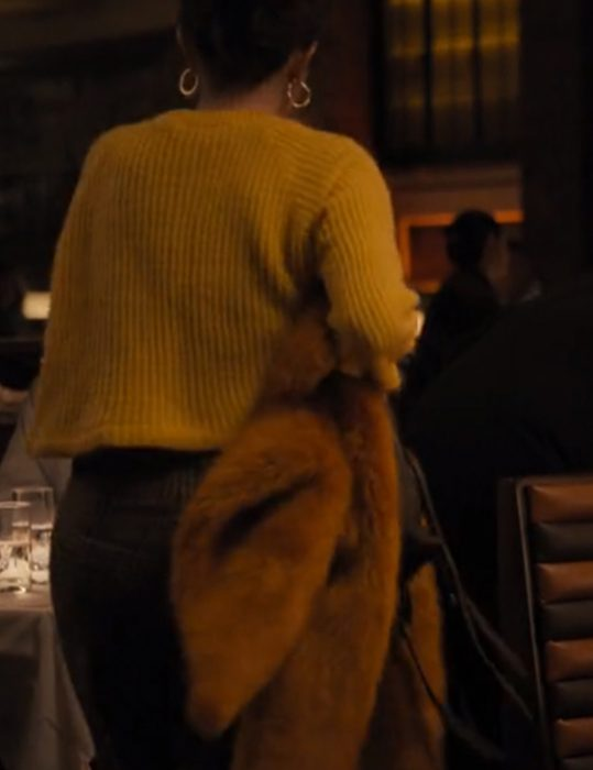 Only-Murders-In-The-Building-Mabel-Yelow-Sweater
