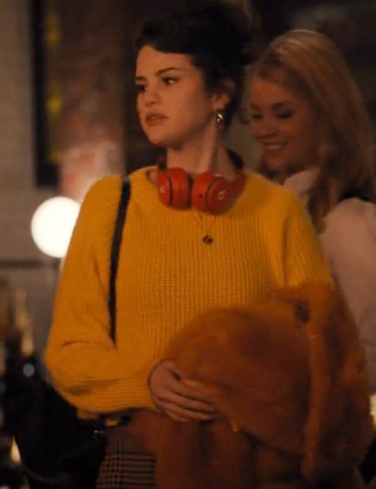 Only-Murders-In-The-Building-Salena-Gomez-Sweater