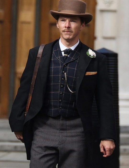 The-Electrical-Life-Of-Louis-Wain-2021-Benedict-Cumberbatch-Coat